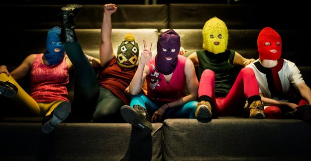 New message: Pussy Riot members get asylum