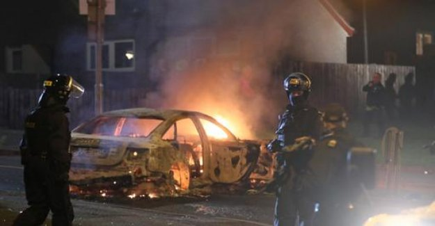Northern Ireland: violence in Londonderry - 29-Year-old killed