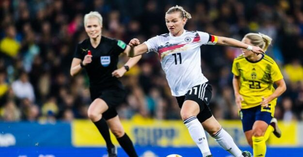 On the way to the world Cup : the German football indoor win against Sweden