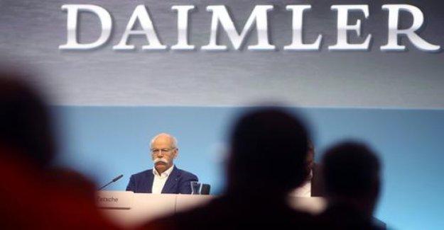 Party donations: Endangered Daimler democracy?