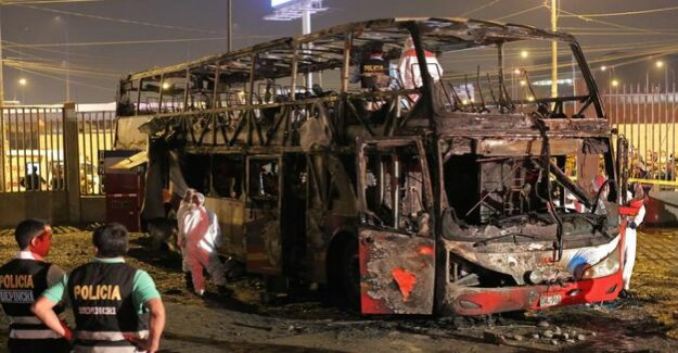 Peruvian Bus from burns complete : 17 Dead in Bus fire at an illegal bus terminal in Lima