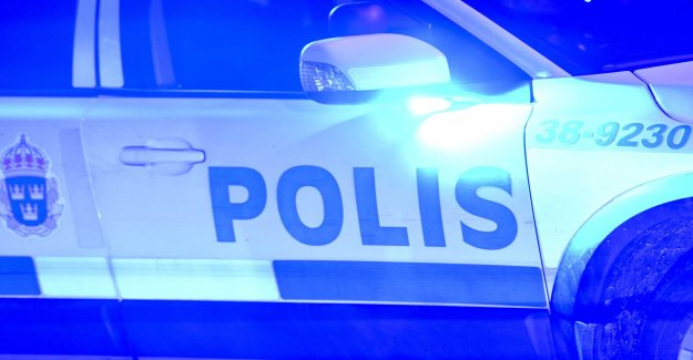Police officer injured in supporterbråk