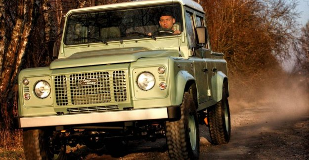 Polish company builds old Land Rover Defender for 60,000 euro