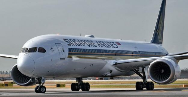 Problems with engines : Singapore Airlines allows for two Dreamliners from Boeing on the ground