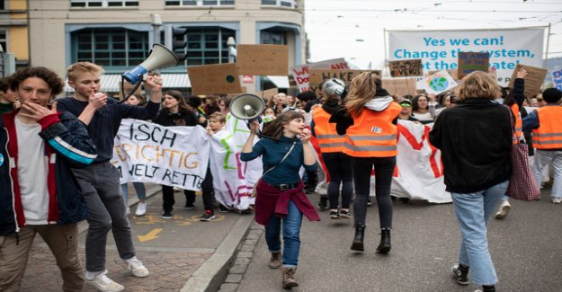 Protests from the climate-youth show effect