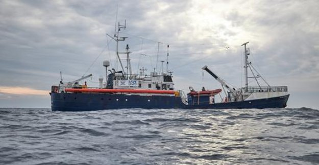 Rescue ship Alan Kurdi: Germany wants to take in refugees
