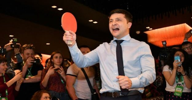 Runoff election decides on the President of Ukraine : comedian against chocolate oligarch