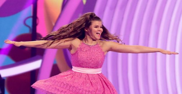 Saara Aalto occur in the synchronized skating world cup opening ceremony Hamish gama's with the: crazy wonderful random people