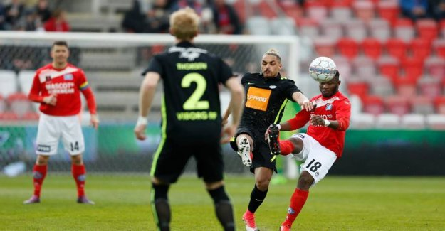 Silkeborg exploit The blunder and grabs first place
