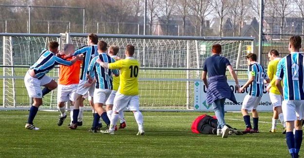 Slugfest with heavy consequences: the board removes 'touch judge' that goalkeeper KO hit, and it pulls team out of competition