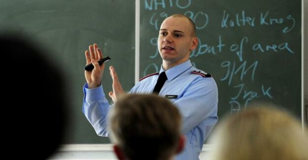 Soldiers-spell in schools : advertising of the Bundeswehr is nothing for minors – education already