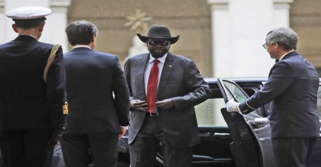 South sudan hired lobbyfirma against krigsåtal