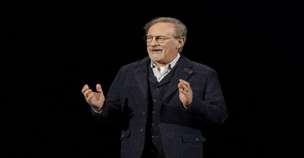Spielberg flashes for Oscar Academy