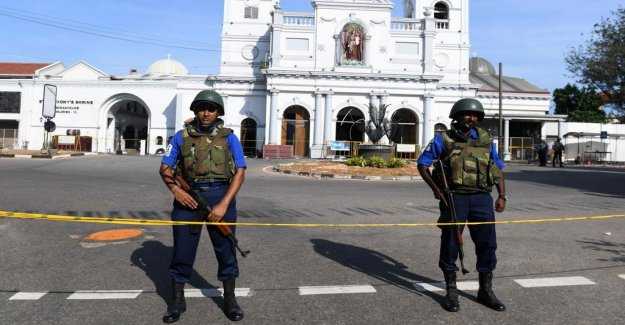 Sri lankan police are looking for several vehicles suspected of containing explosives