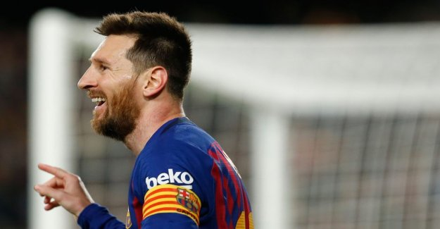 Substitute Messi secured Barcelona's league title