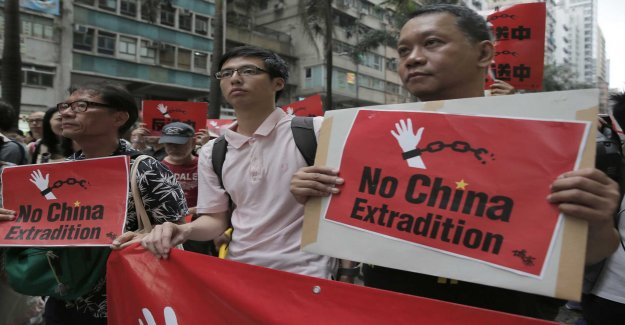 Tens of thousands are demonstrating in Hong kong