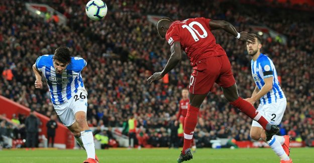Tension continues in Premier League: Liverpool again leader after easy victory and historic quick goal