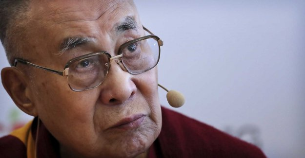 The Dalai lama to the hospital for chest pain
