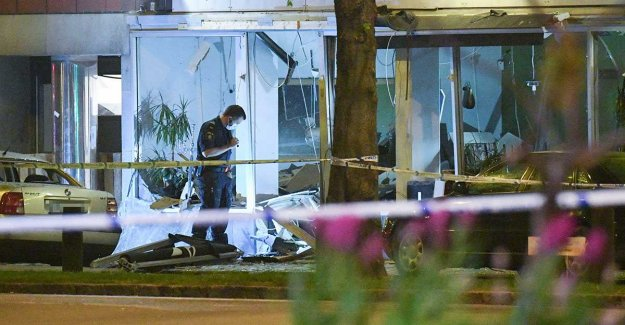 The Explosion at the restaurant – passers-by injured