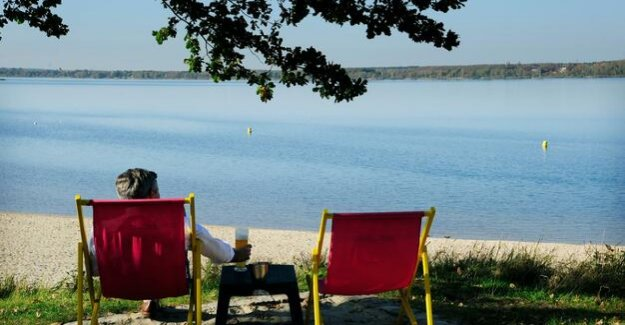 The Lusatian lake land : On the Senftenberger see lake, the season can begin