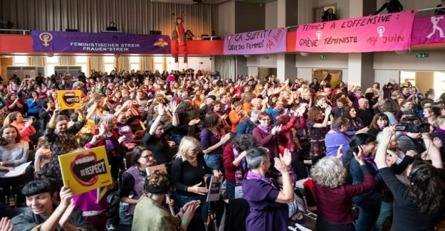 The city of Zurich with strike want women to deal