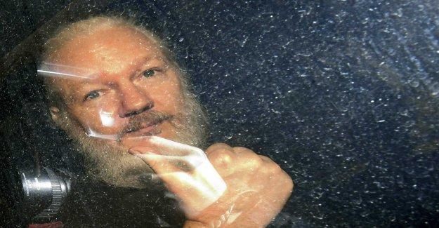 The lawyer requests that the våldtäktsutredningen against Assange reopened