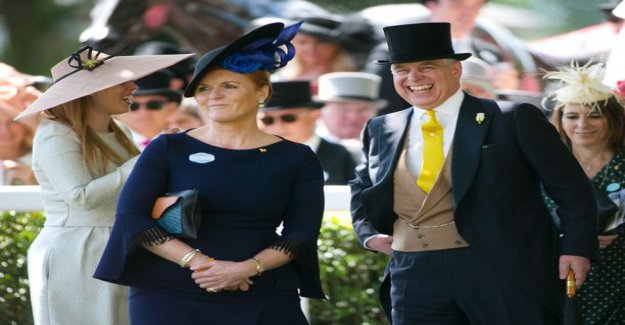 The magazine claims: Prince Andrew and Sarah Ferguson back together - the details of your vacation sparked rumors of a romance