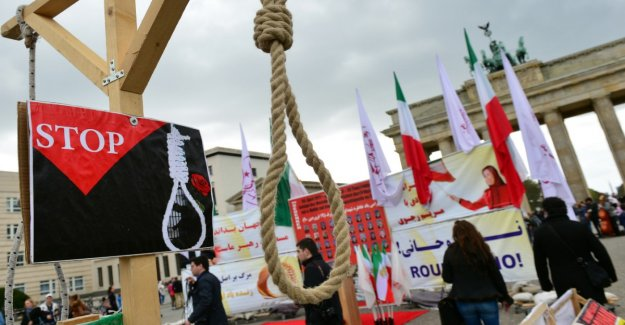 The number of death sentences back in the world