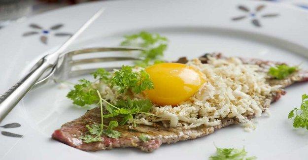 The steak with the horseradish and egg yolk