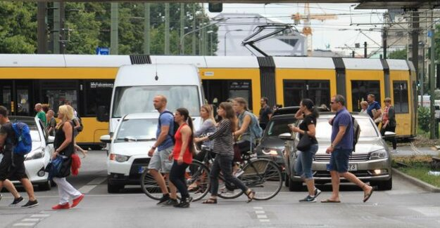 The traffic is too fast : that's Why pedestrian life in Berlin is so dangerous
