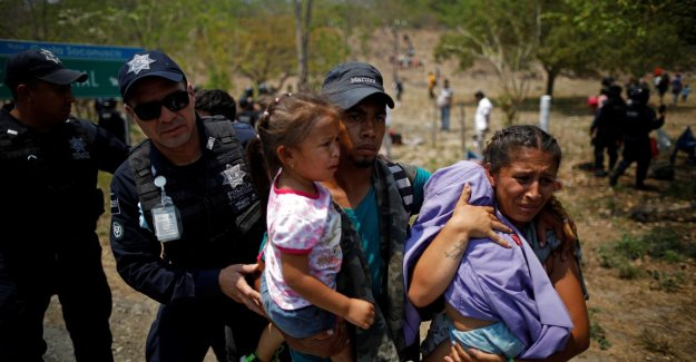 Under pressure from Trump: Mexico puts hundreds of migrants stuck