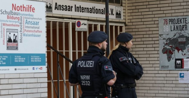 Under the guise of humanitarian aid IS to support: large invalactie in Germany at branches of the islamic organization
