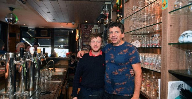 VIDEO. Dirk Lauwers stop café Marengo, but the barman Stijn Deweerdt (28) takes over the reins: The regular customers may, at their two ears to sleep as there is a change as good as nothing