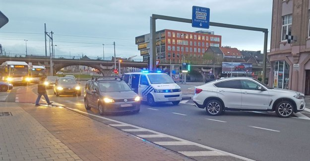 VIDEO. Fietsster gets wounded in the leg in collision at Dampoort
