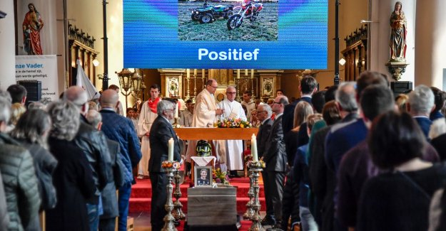 VIDEO. More than a thousand people to say goodbye to Peter Lerno (16): do not Forget to enjoy the beautiful moments together