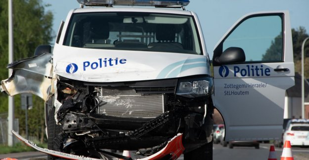 VIDEO. Politiecombi involved in a traffic accident on the Europaweg