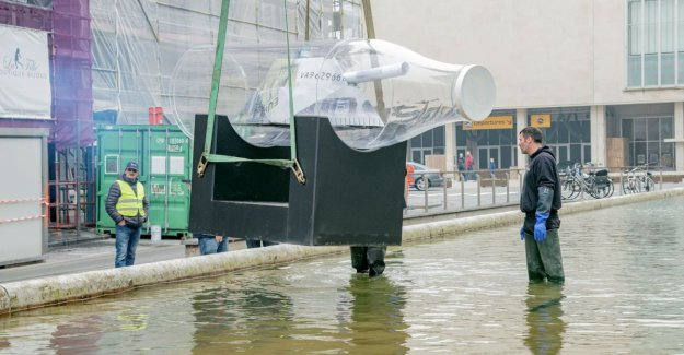 Warship in a large bottle of milk, was placed for kursaal in Ostend