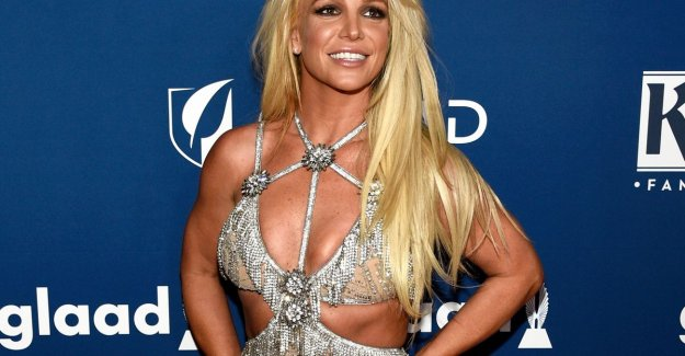 What is the matter with Britney Spears on the hand?