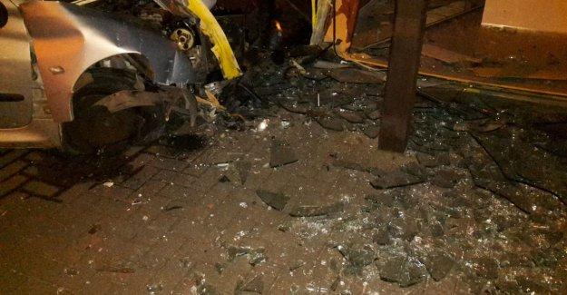 Wreaked havoc: drunk driver (23) crashes into showroom Èggo kitchens