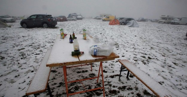 30 visitors hypothermic on illegal technofestival in Central France