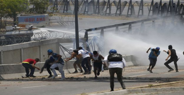 A death in protests against Maduro