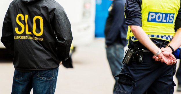 AIK reports to the police security guard for batongslag
