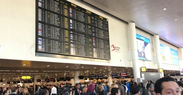 Air traffic completely flat between 9: 30am and 13 hours by strike air traffic controllers