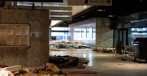 All transmigranten to the brussels north station are left