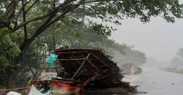 Already more than a million people evacuated for the passage of cyclone Fans in India