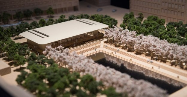 Apple gives up on dream on store in the Park – may help to sell the site