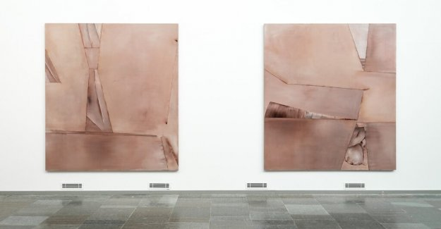 Art review: Nina Roos ' painting is its own reality
