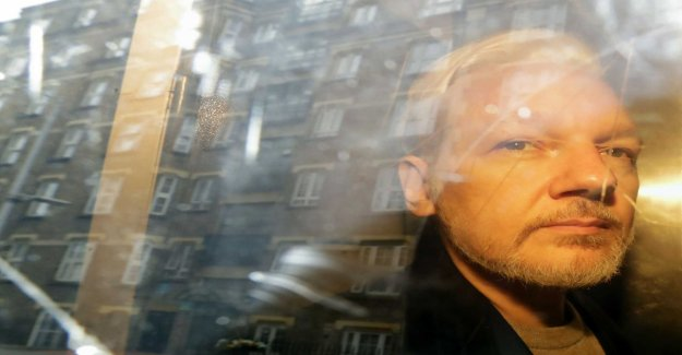 Assange in court for extradition