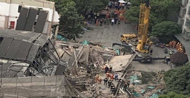 At least five dead after huskollaps in Shanghai