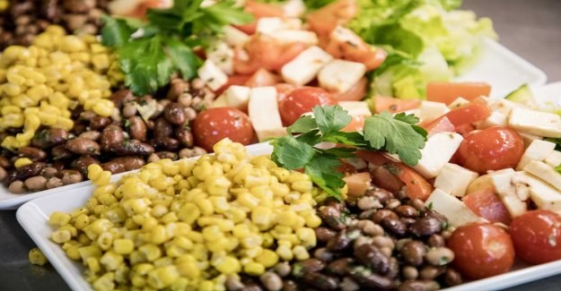 Better eating habits can prevent 6, 000 deaths